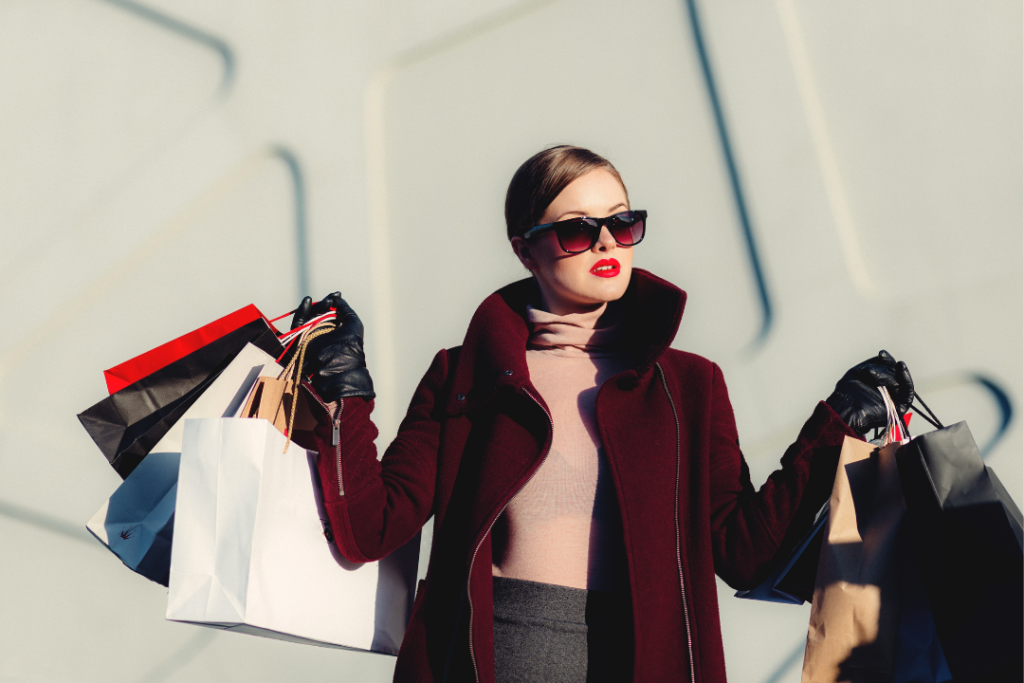 femme shopping sac vêtement
