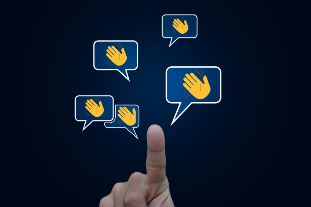 Logo main Clubhouse chat réseau social